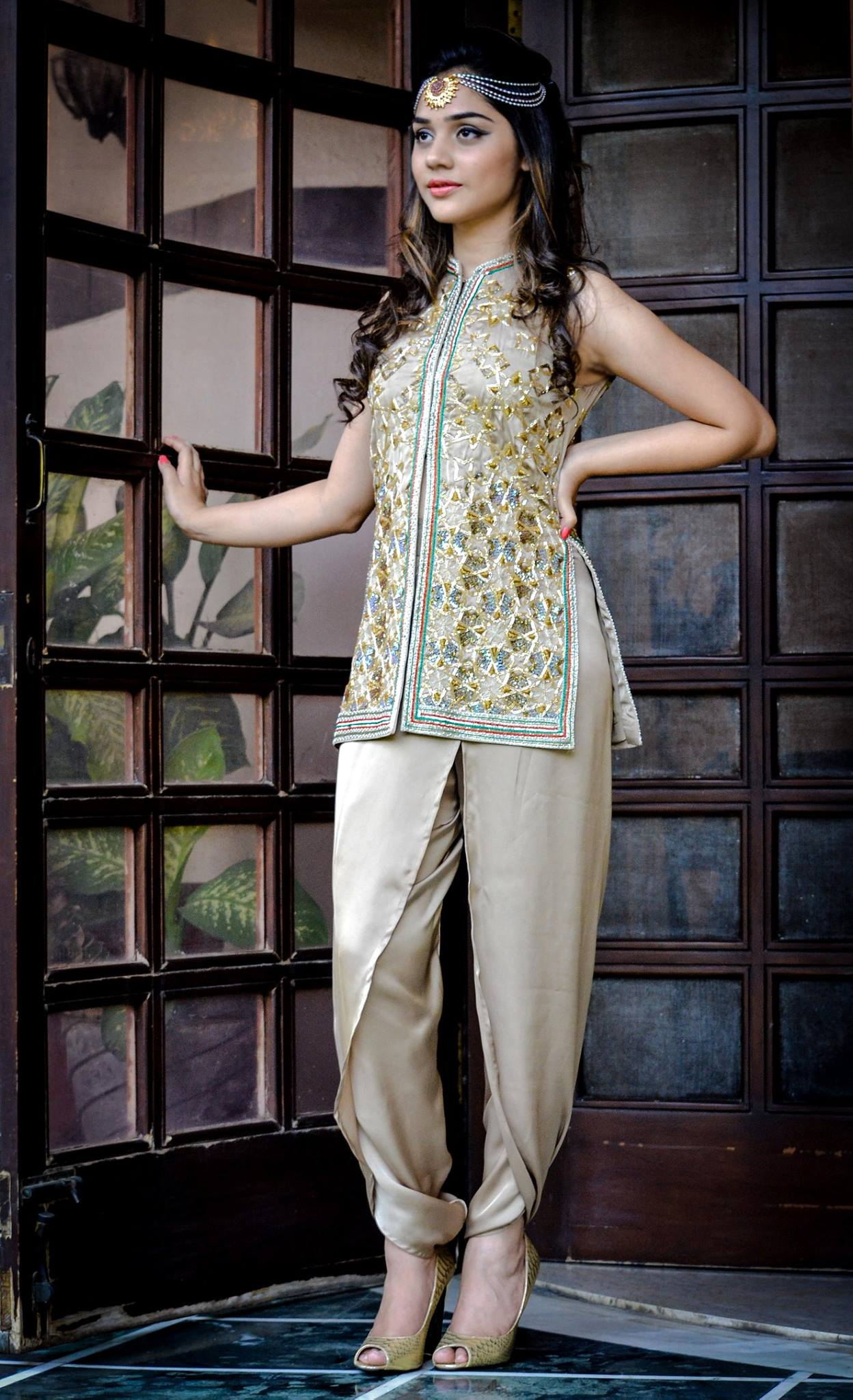 short silk tunic with silk tulip pants for party