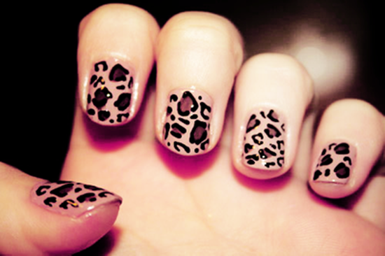leopard print for short nail art