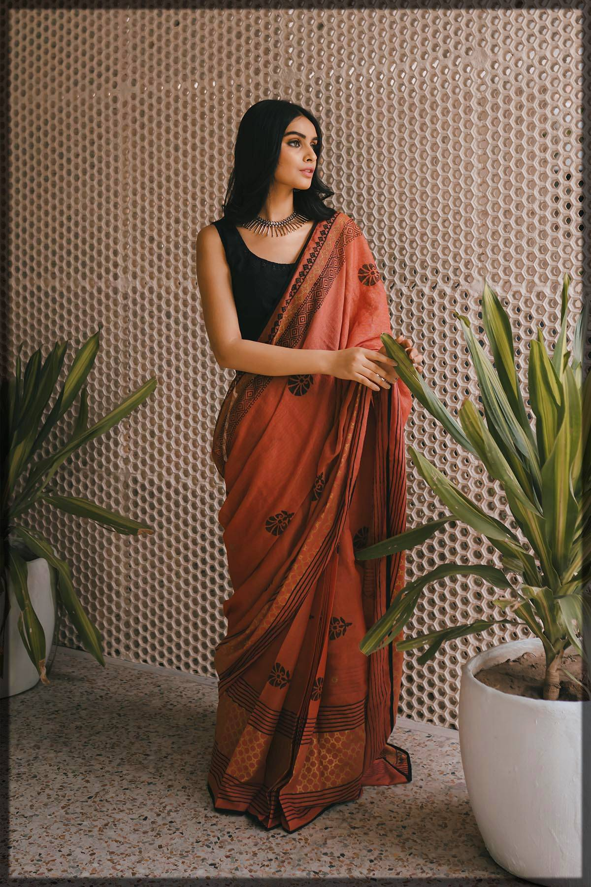 fancy saree with black blouse