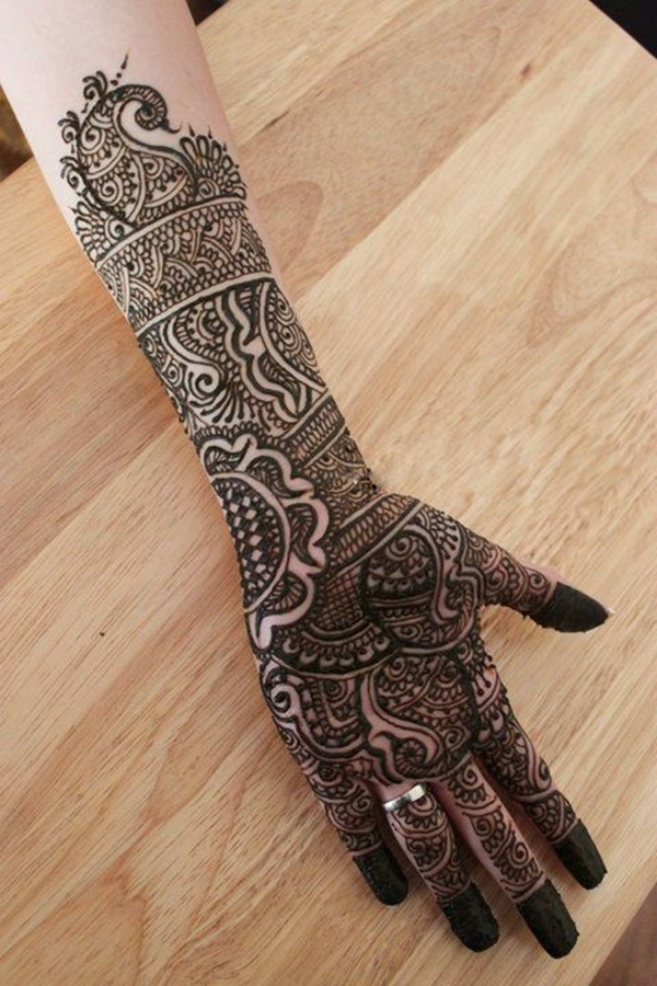 Pakistani black mehndi design for engagement