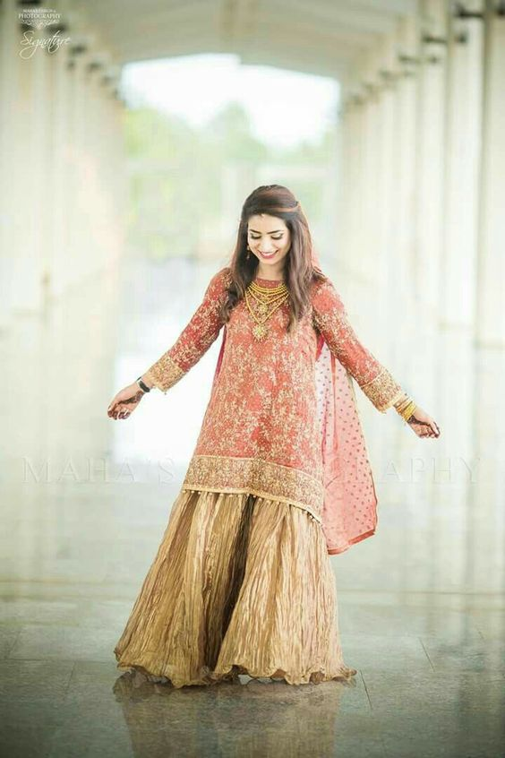 8519f88559 Latest Pakistani Dresses and Frocks 2019 for Wedding Parties ...