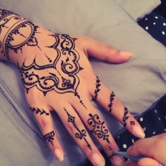 simple hand mehndi design for eid ul fitr