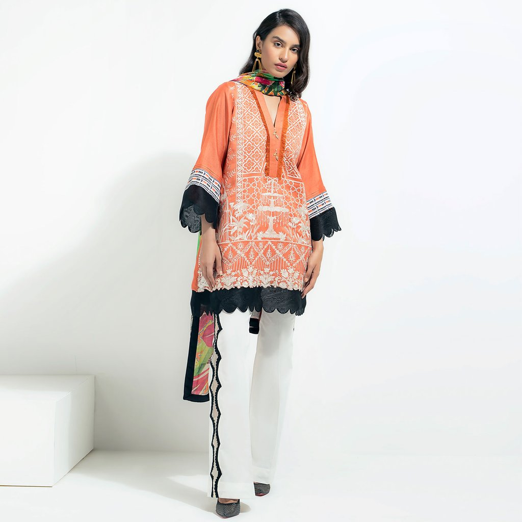 Saira Shakira Orange Luxuiy Pret For Eid