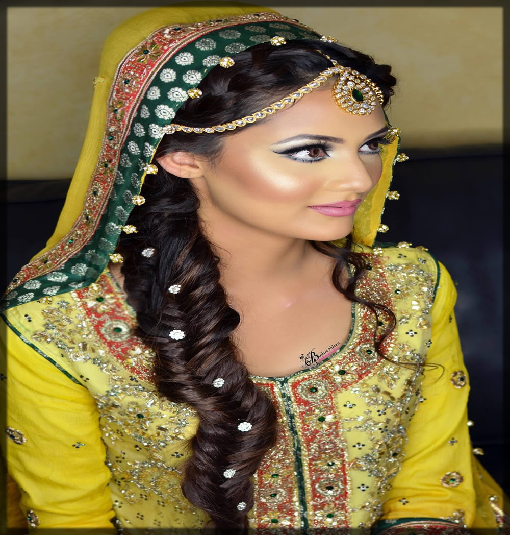 bridal mehndi hairstyles with beads