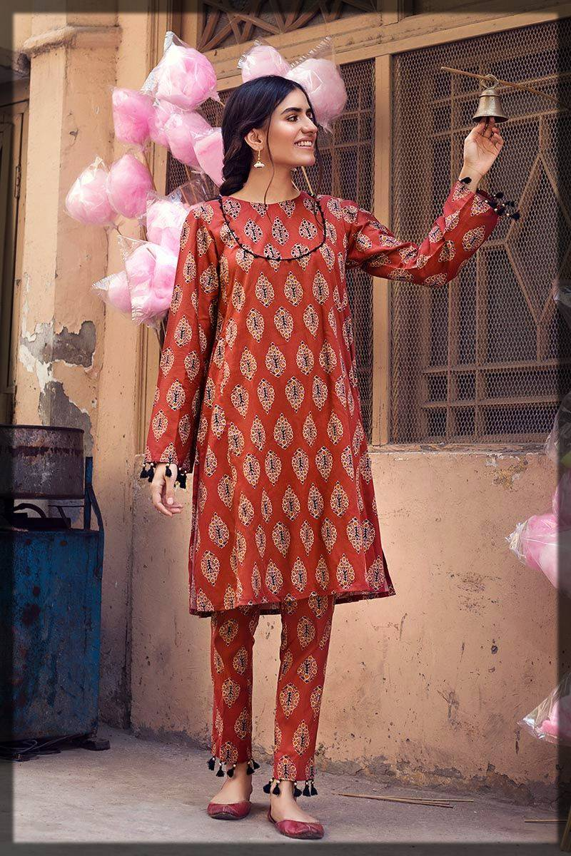 dark shaded shirt by gul ahmed winter dress collection