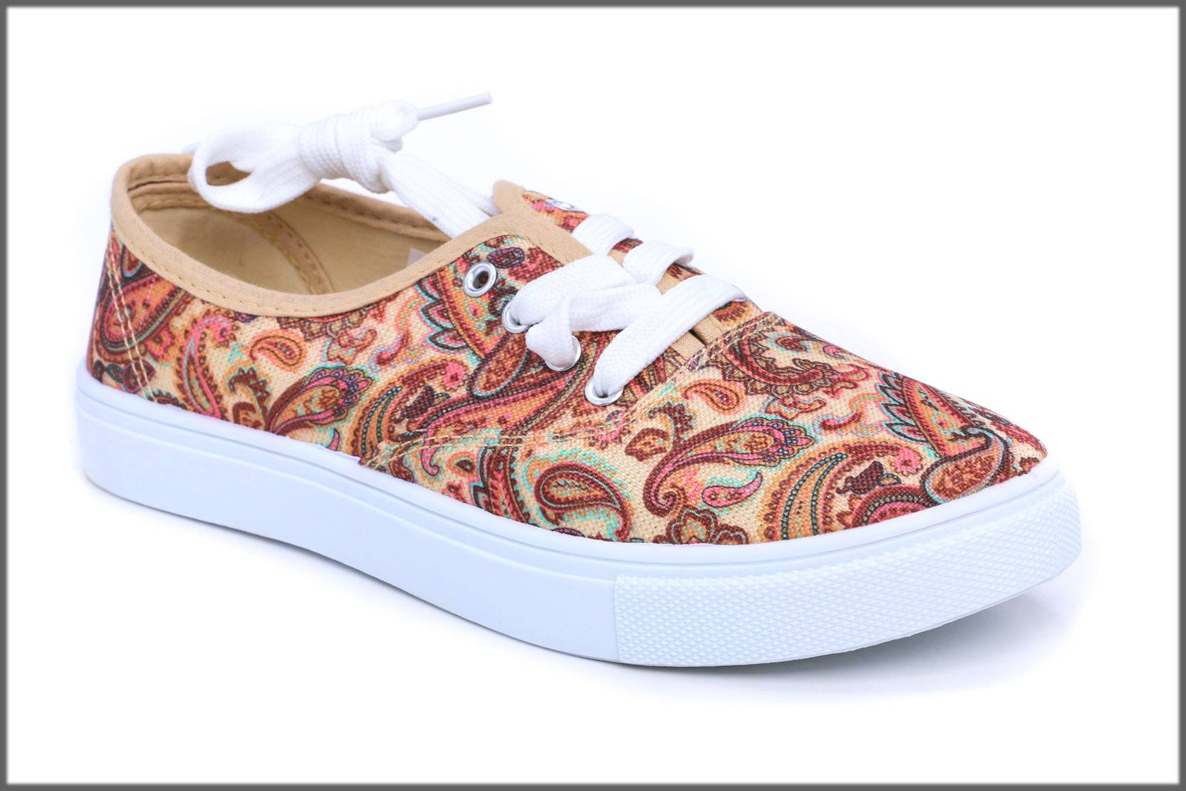 sneakers with fine embroidery for ladies