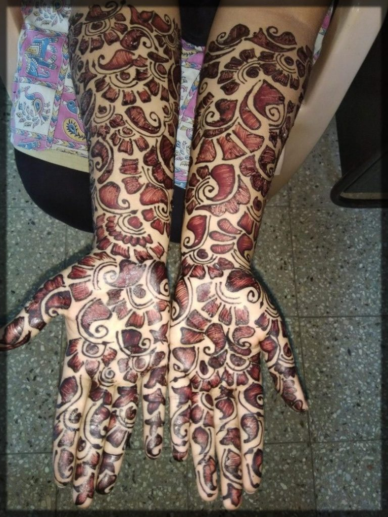 thick shaded mehndi for girl