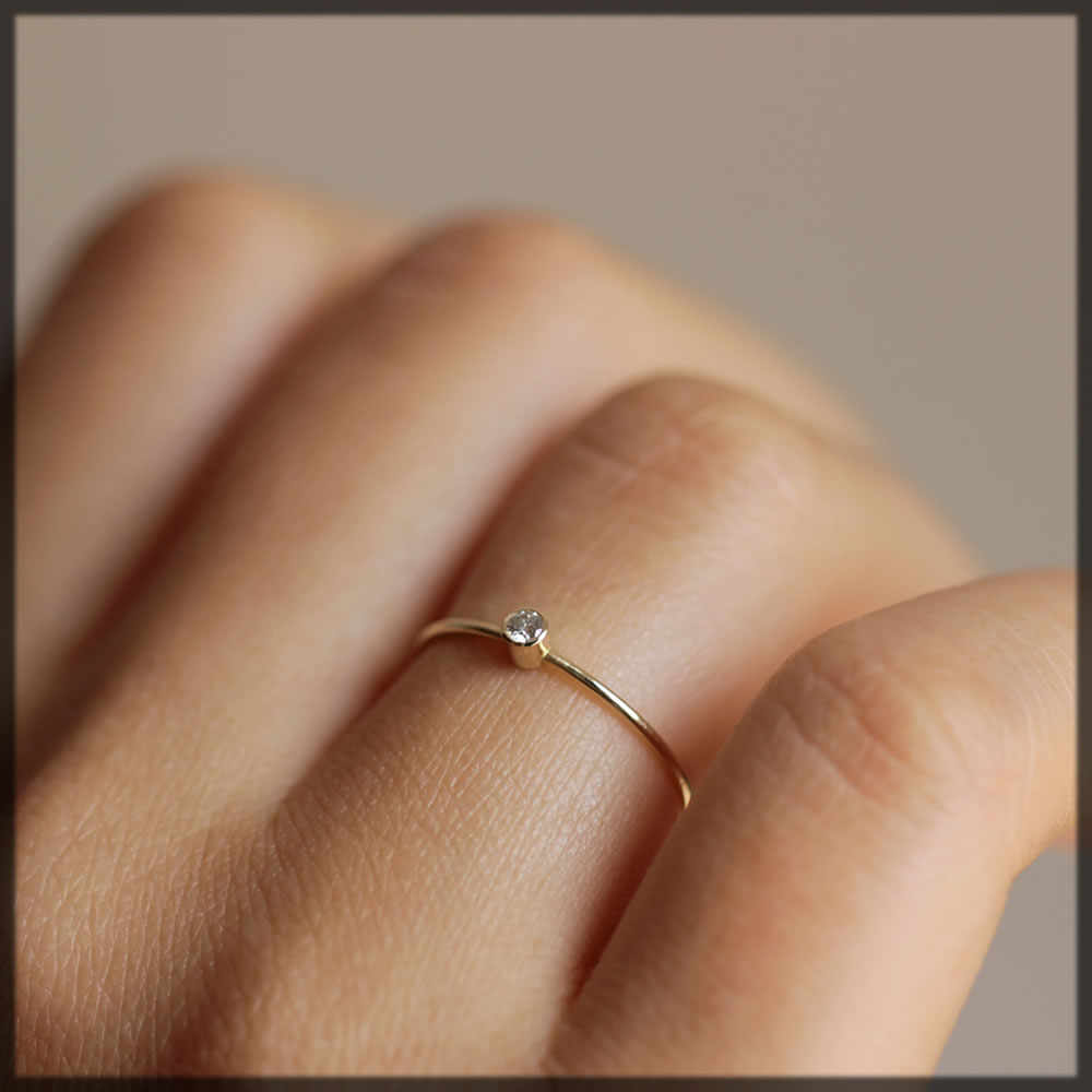 thin gold wedding ring