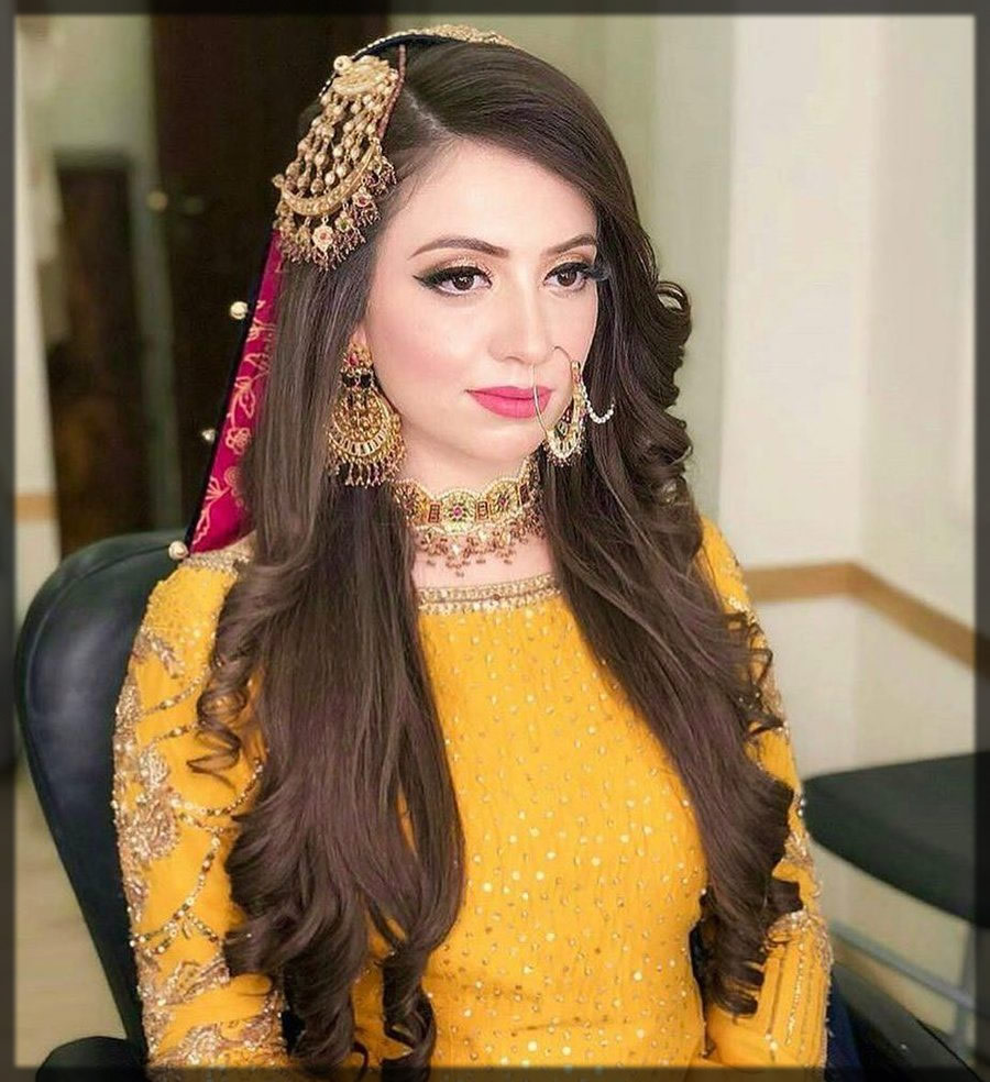 hairstyle for mehndi brides