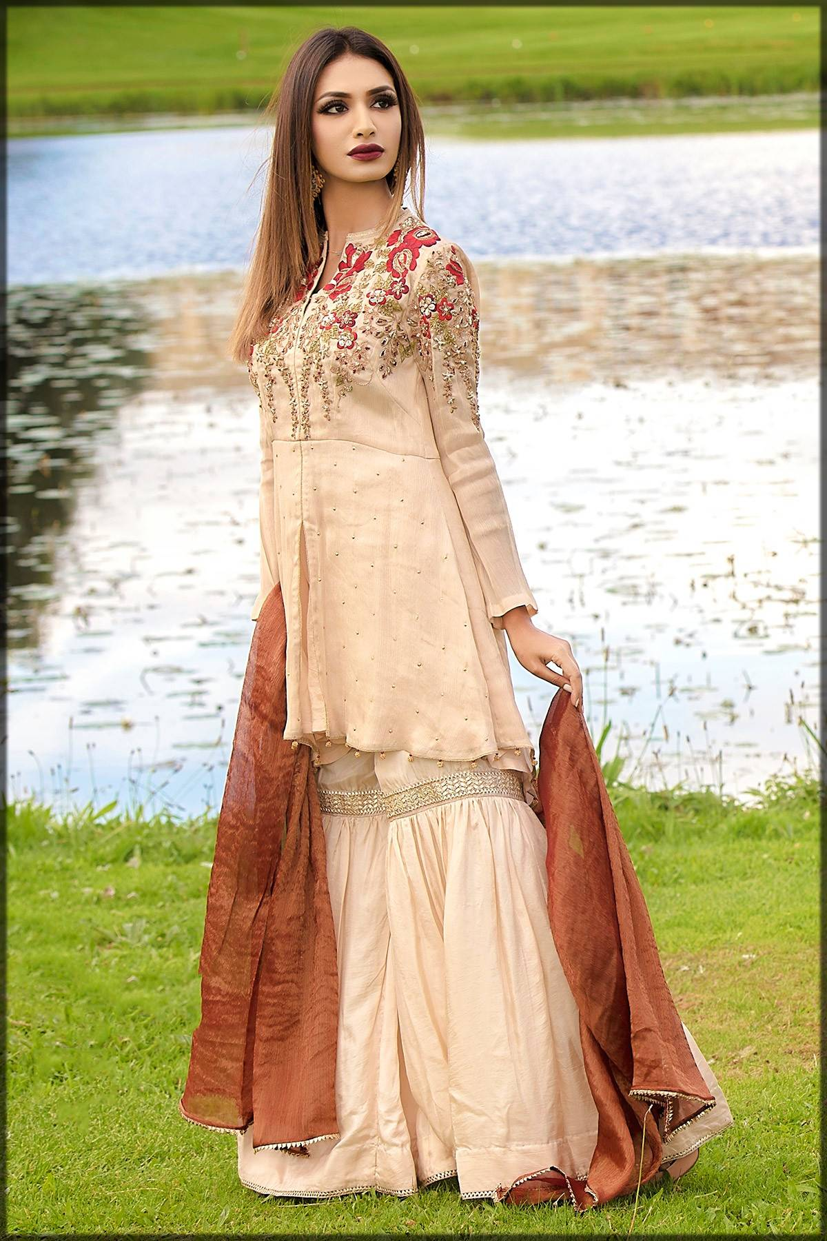traditional pakistani winter wedding gharara dress for girls