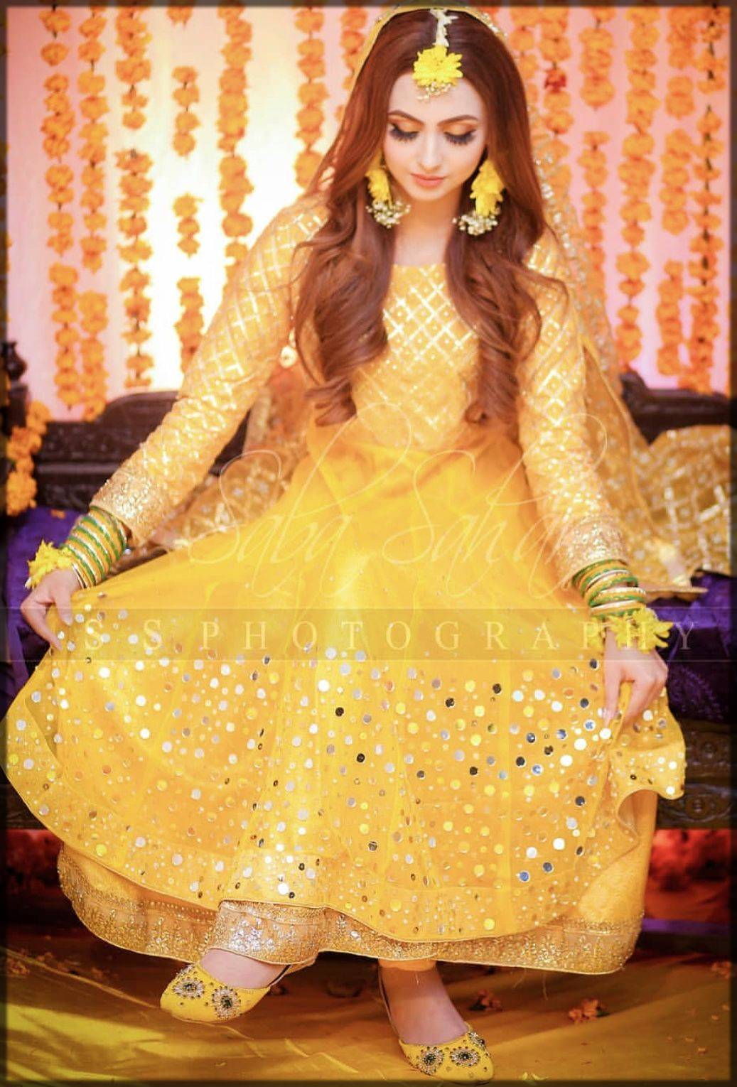 yellow dress for mayun bride